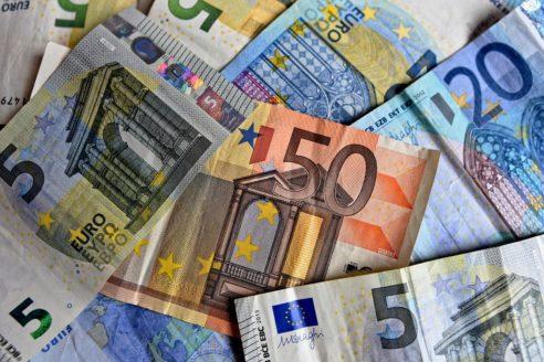 Beneficiarii PNDR 2020 trebuie să semneze electronic cererile de plată