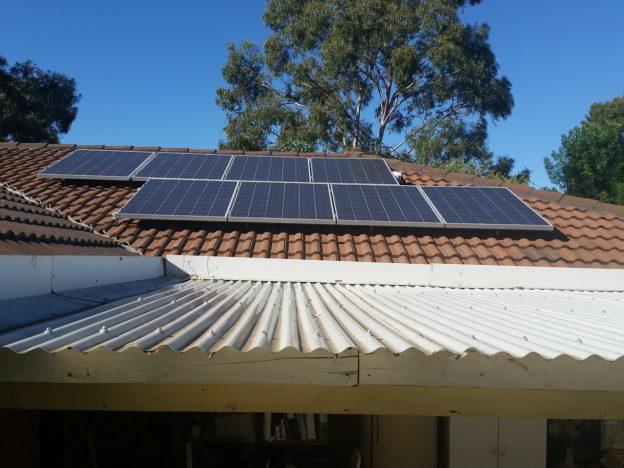 Finanțare pentru instalarea de sisteme fotovoltaice în gospodăriile izolate neracordate la reţeaua de distribuţie